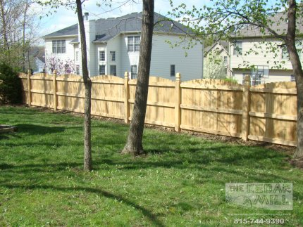 cedar-fence-installed-in-Bolingbrook-Illinois-078