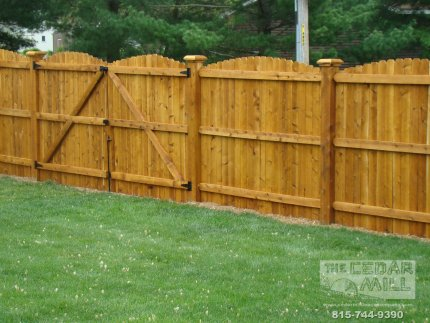 cedar-fence-installed-in-Downers-Grove-Illinois-105