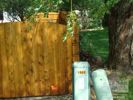 cedar-fence-installed-in-Downers-Grove-Illinois-108