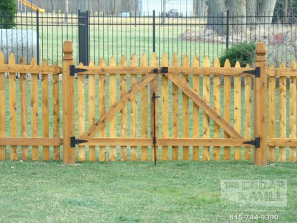 cedar-fence-installed-in-Hinsdale-Illinois-187