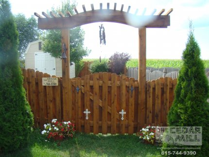 cedar-fence-installed-in-Hinsdale-Illinois-195