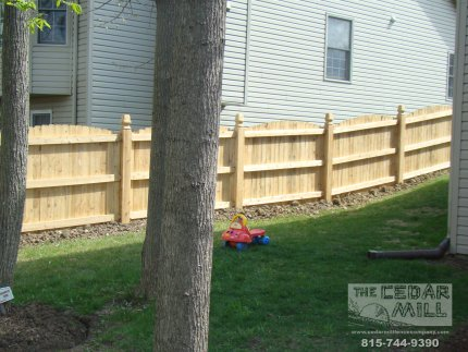 cedar-fence-installed-in-Joliet-Illinois-079