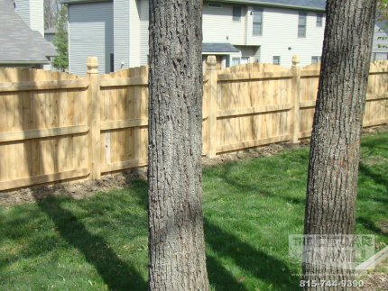 cedar-fence-installed-in-Joliet-Illinois-081