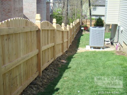 cedar-fence-installed-in-Joliet-Illinois-082