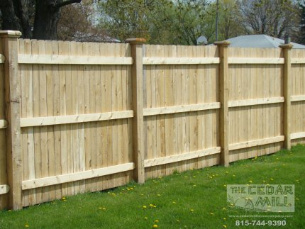 cedar-fence-installed-in-Joliet-Illinois-083