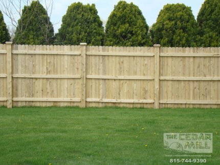 cedar-fence-installed-in-Joliet-Illinois-084