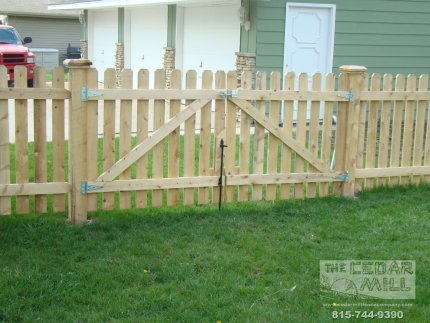 cedar-fence-installed-in-Joliet-Illinois-085