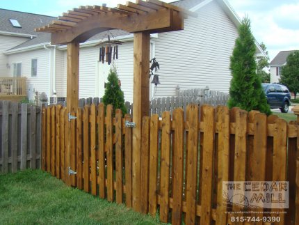 cedar-fence-installed-in-Joliet-Illinois-197