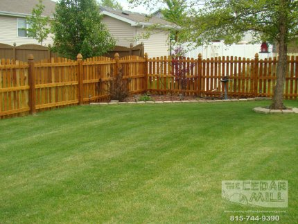 cedar-fence-installed-in-Mokena-Illinois-089