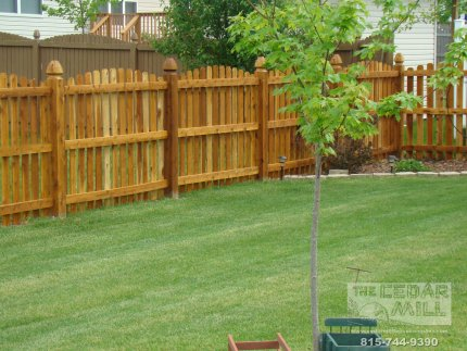 cedar-fence-installed-in-Mokena-Illinois-090