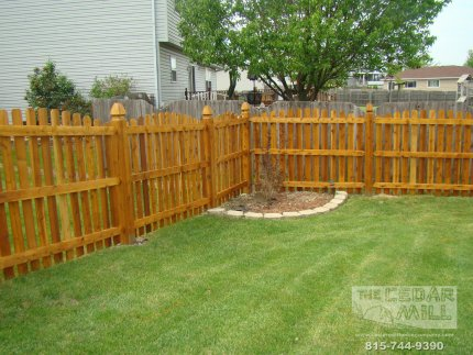 cedar-fence-installed-in-Mokena-Illinois-091