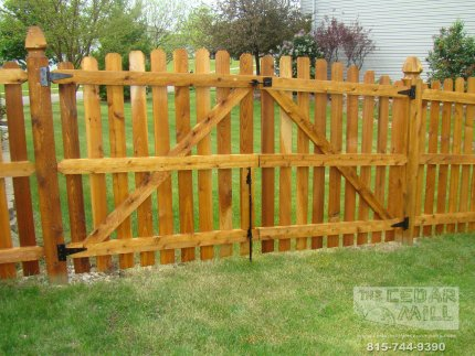 cedar-fence-installed-in-Mokena-Illinois-092