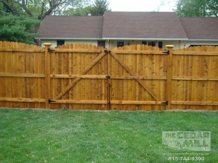 cedar-fence-installed-in-Naperville-Illinois-100