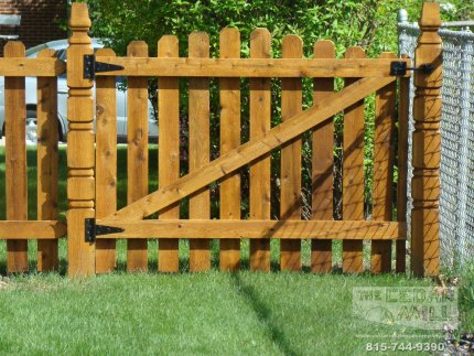 cedar-fence-installed-in-Orland-Park-Illinois-134