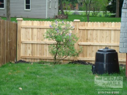 cedar-fence-installed-in-Palos-Heights-Illinois-140