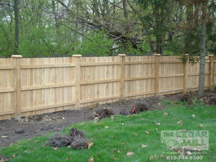 cedar-fence-installed-in-Peoria-Illinois-143