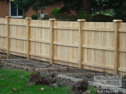 cedar-fence-installed-in-Peoria-Illinois-144