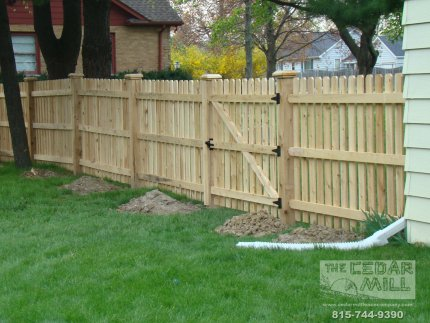cedar-fence-installed-in-Peoria-Illinois-147