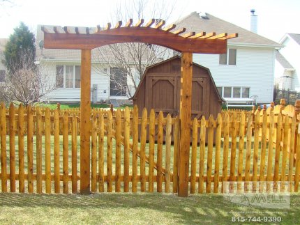 cedar-fence-installed-in-Peoria-Illinois-201