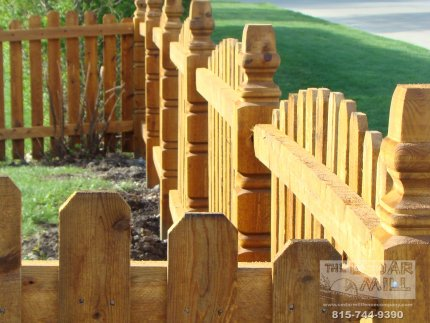cedar-fence-installed-in-Schaumburg-Illinois-154