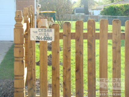 cedar-fence-installed-in-Schaumburg-Illinois-155