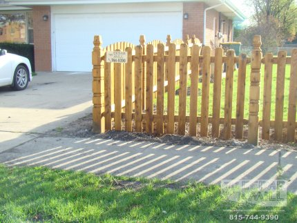 cedar-fence-installed-in-Schaumburg-Illinois-157