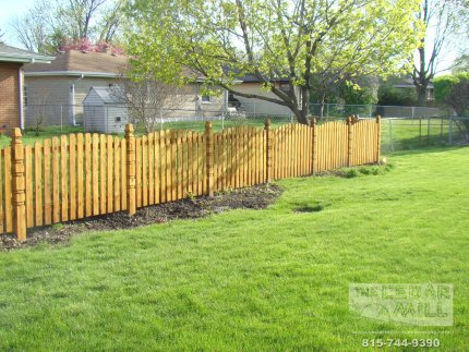 cedar-fence-installed-in-Schaumburg-Illinois-158