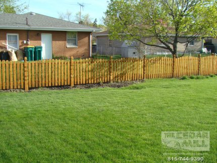 cedar-fence-installed-in-Schaumburg-Illinois-159