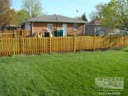 cedar-fence-installed-in-Schaumburg-Illinois-160