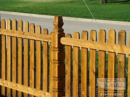 cedar-fence-installed-in-Schaumburg-Illinois-163