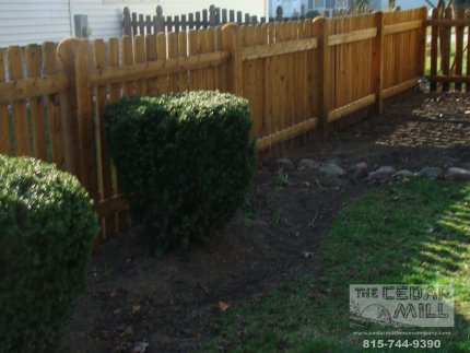 cedar-fence-installed-in-Willowbrook-Illinois-176