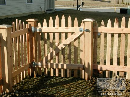 fence-installation-located-in-Orland-Park-Illinois-031